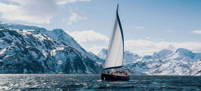 spitsbergen svalbard sailing circumnavigation